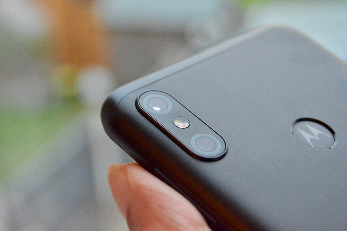 How to Turn Camera Flash On or Off on Android