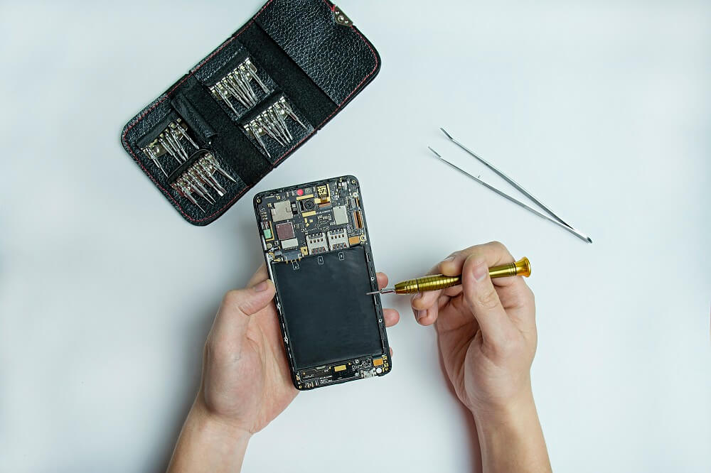 Take Things Apart  How to save your phone from water damage