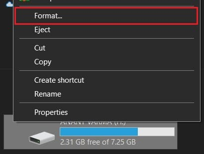 Right click on USB drive and select Format | Fix Media Creation Tool Error 0x80042405-0xa001a