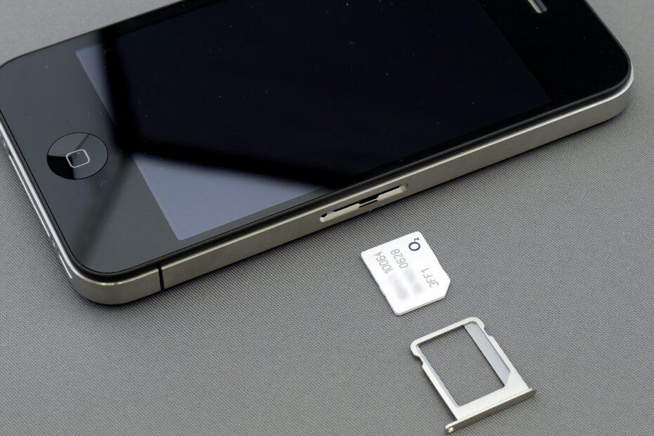 Fix No SIM Card Installed iPhone
