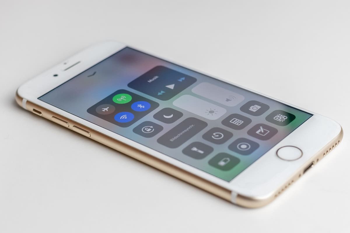 Fix iPhone 7 or 8 won't Turn Off