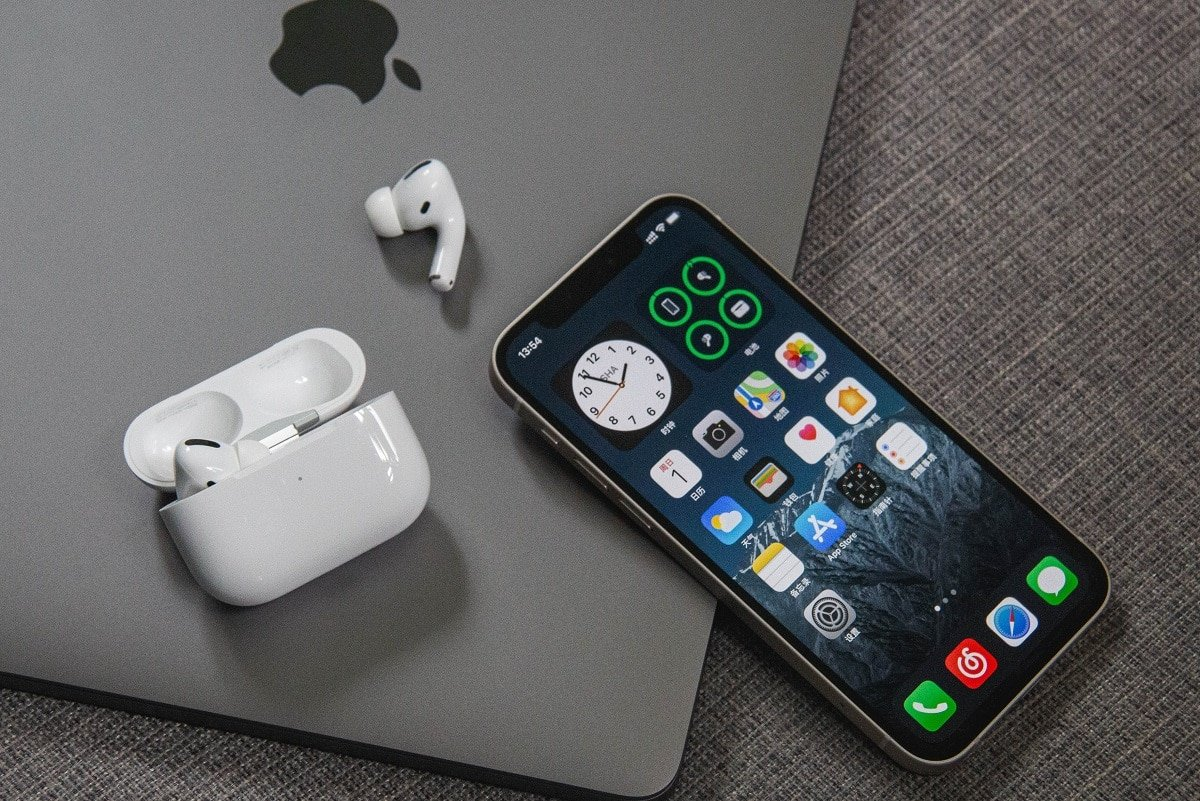 Fix AirPods Disconnecting From iPhone