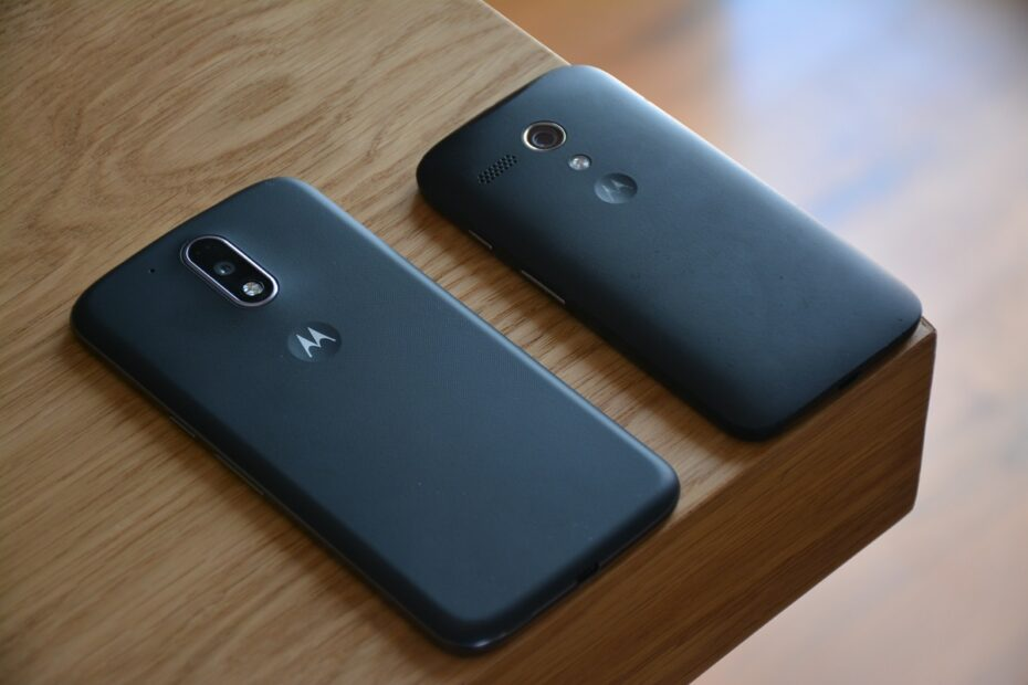 How to Remove SIM Card from Motorola Droid Turbo